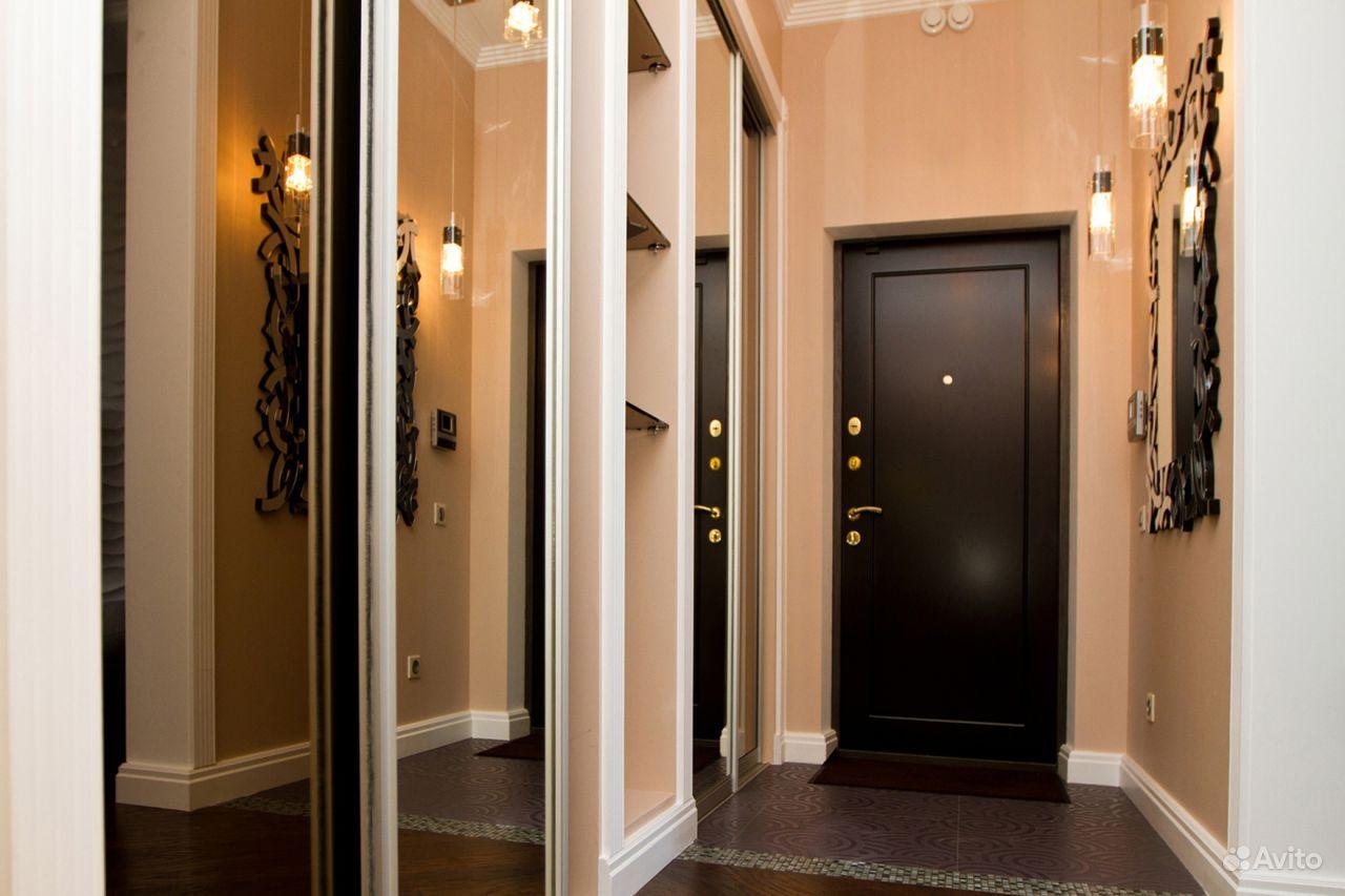 Дверь входная в интерьере фото