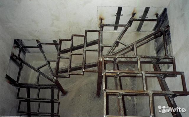 Как сварить железную лестницу на второй этаж
