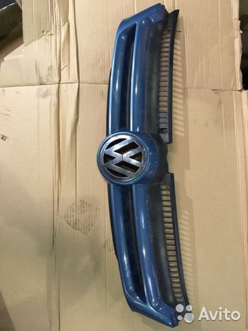 Решетка радиатора 5M0853655A Гольф 5+— фотография №1