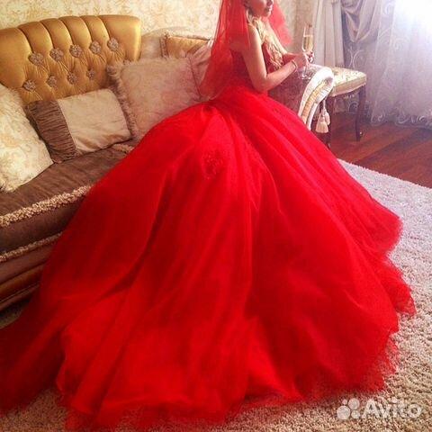 d517509525b Красное свадебное платье и диадема