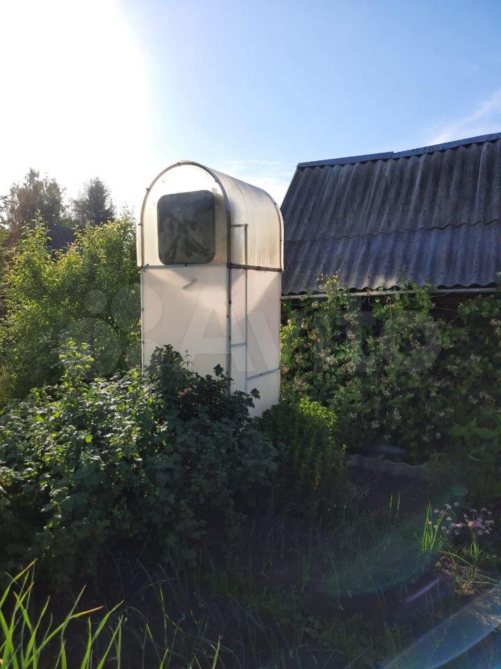 Stugan är 26 m2 på en tomt på 5 hundra.  89501508413 köp 7