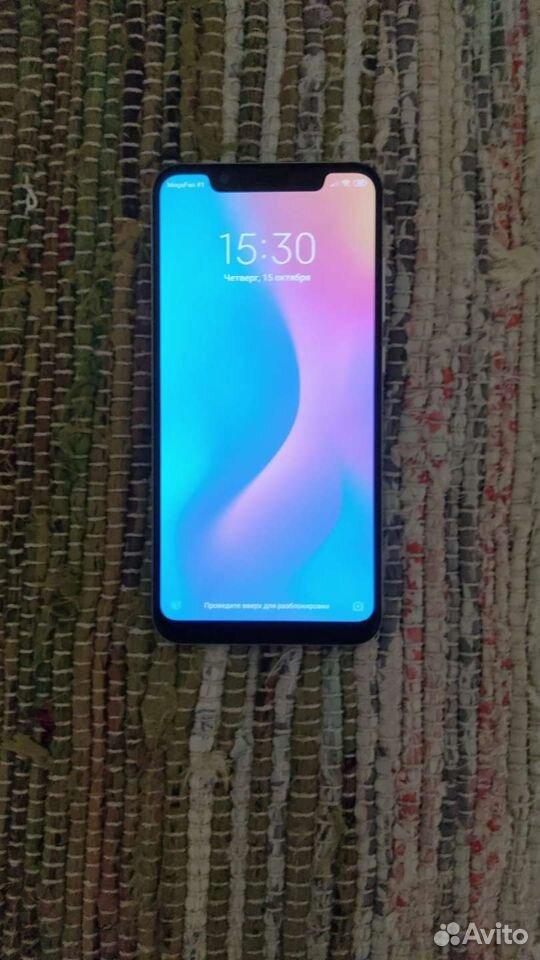 Телефон Xiaomi Mi 8 6/64 GB с чехлами  89511559012 купить 2