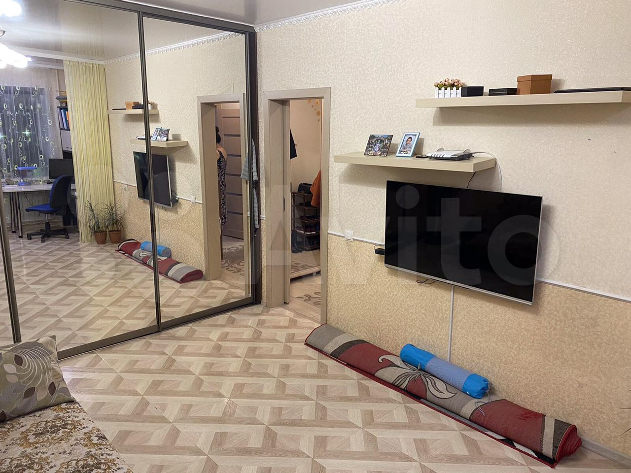 1-room apartment, 40 m2, 5/5 floor.  89004008333 buy 3